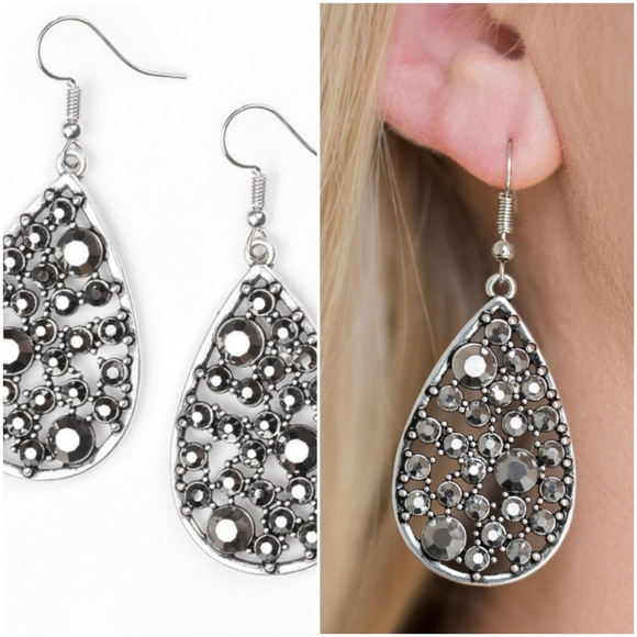 GLOW WITH THE FLOW SILVER EARRINGS